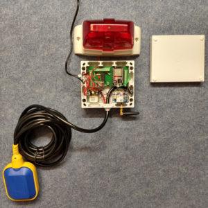 Sielwächter mit Einzelkomponenten Blitzlicht-Melder, Akustischer Warner, GSM-Modul und Wassersensor
